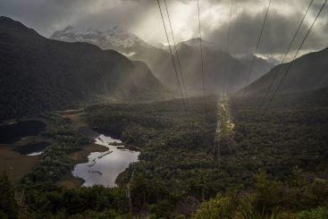 Fiordland-National-Park-Borland-Road-lake